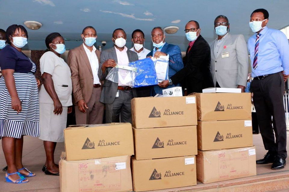 AO Alliance Through the Department of Orthopedics and Trauma donates PPEs to the Hospital.